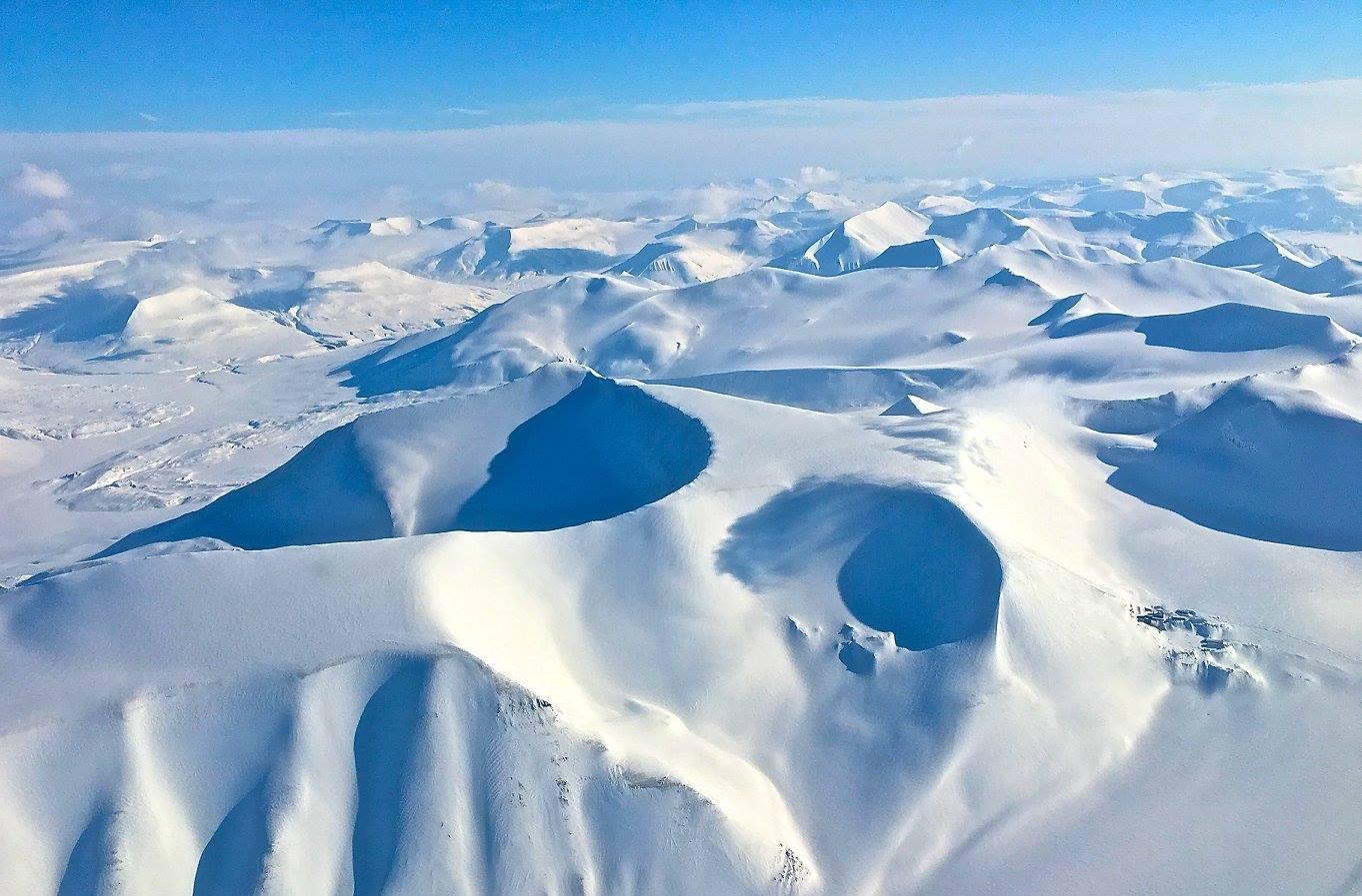 запросу черный картинки северного полюса компании интекрон отличаются
